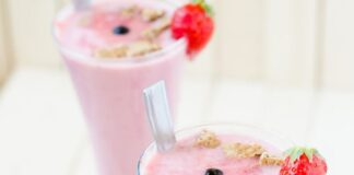 Strawberry banana milkshake: